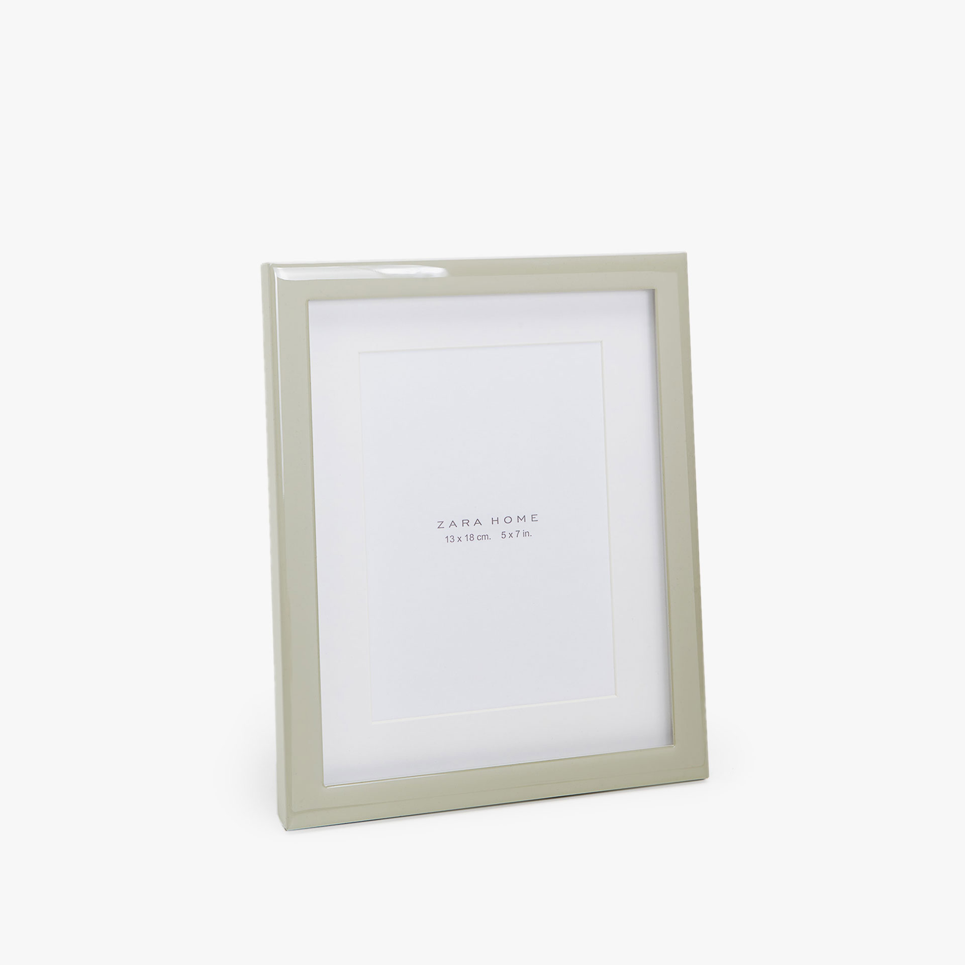 SHINY METAL FRAME WITH PASSE-PARTOUT