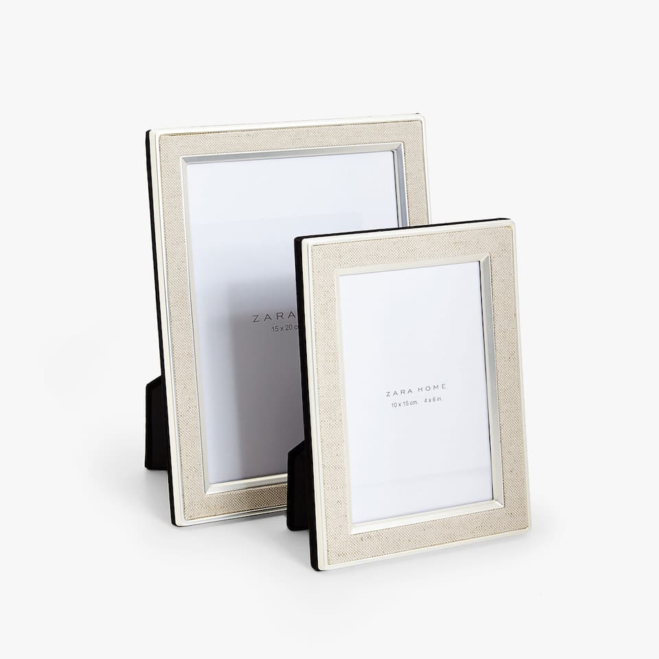 DOUBLE EDGE LINEN DETAIL FRAME