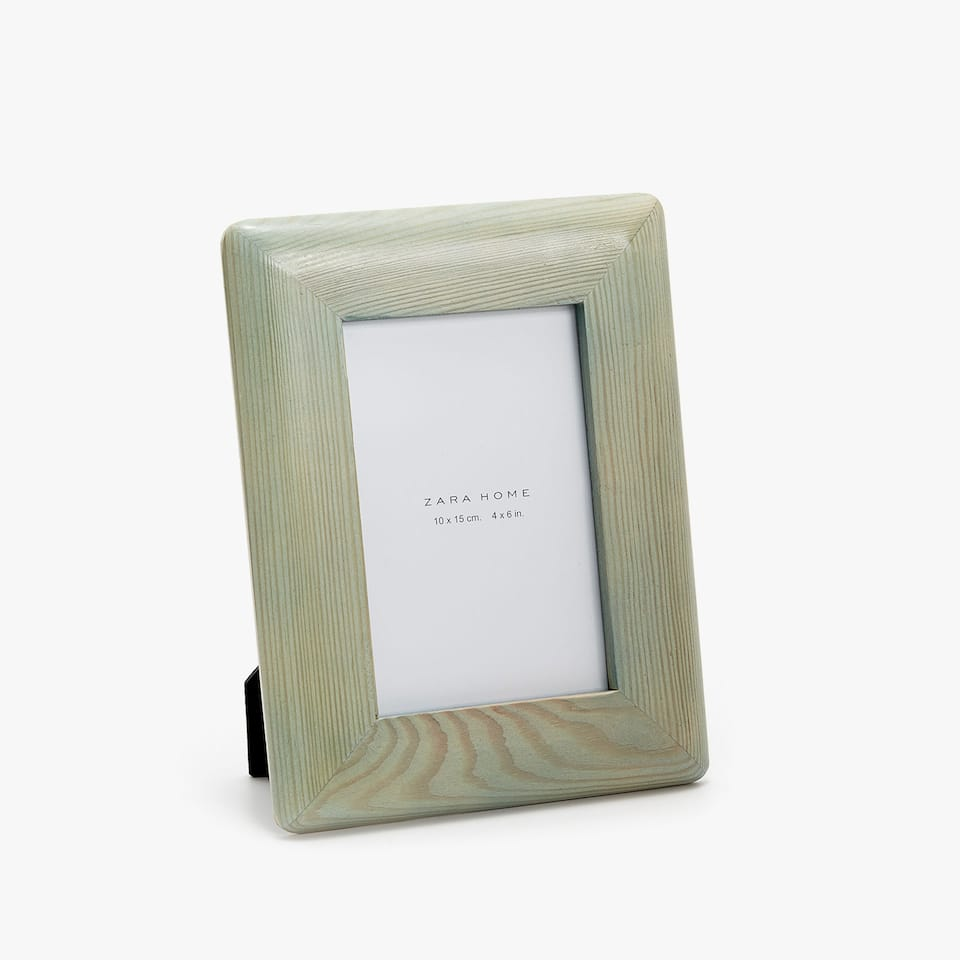 LACQUERED WOODEN FRAME