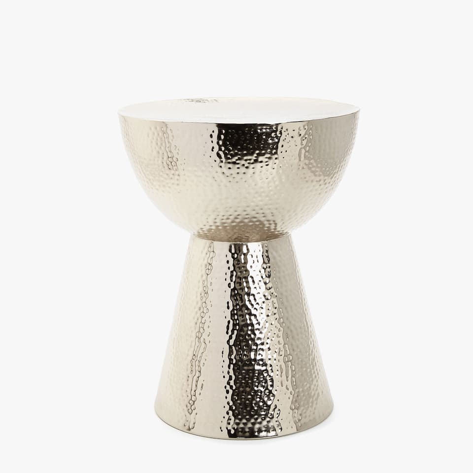 HAMMERED METAL STOOL
