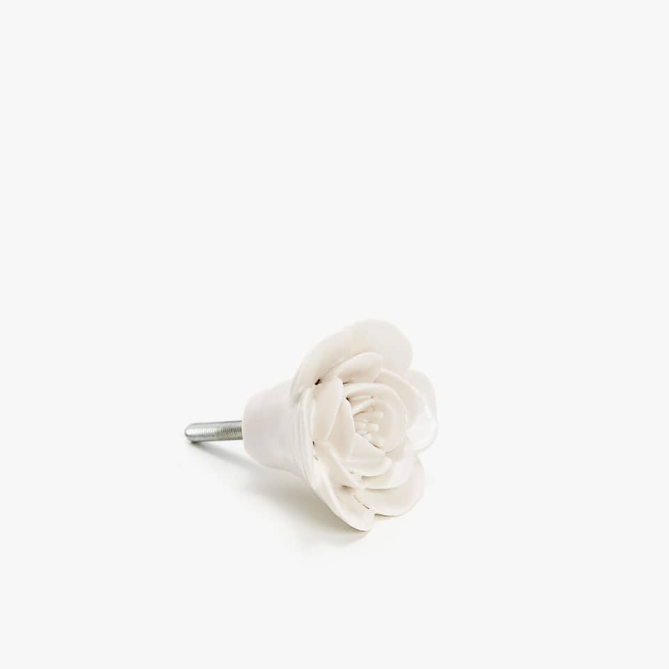 WHITE FLOWER KNOB (SET OF 2)