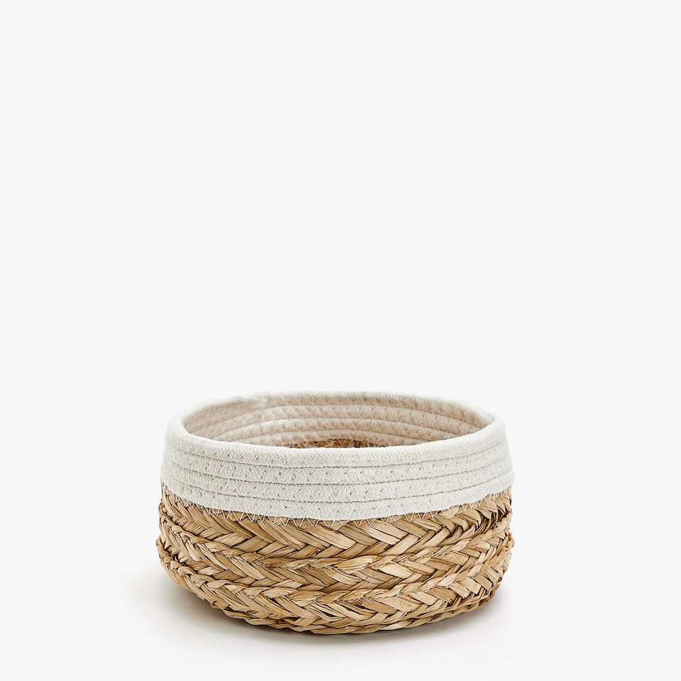 CONTRASTING FABRIC BASKET