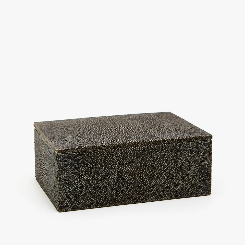 BOX MIT SHAGREEN-OPTIK