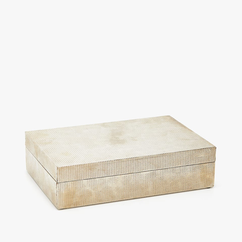 CAJA  FORRADA METAL RELIEVE