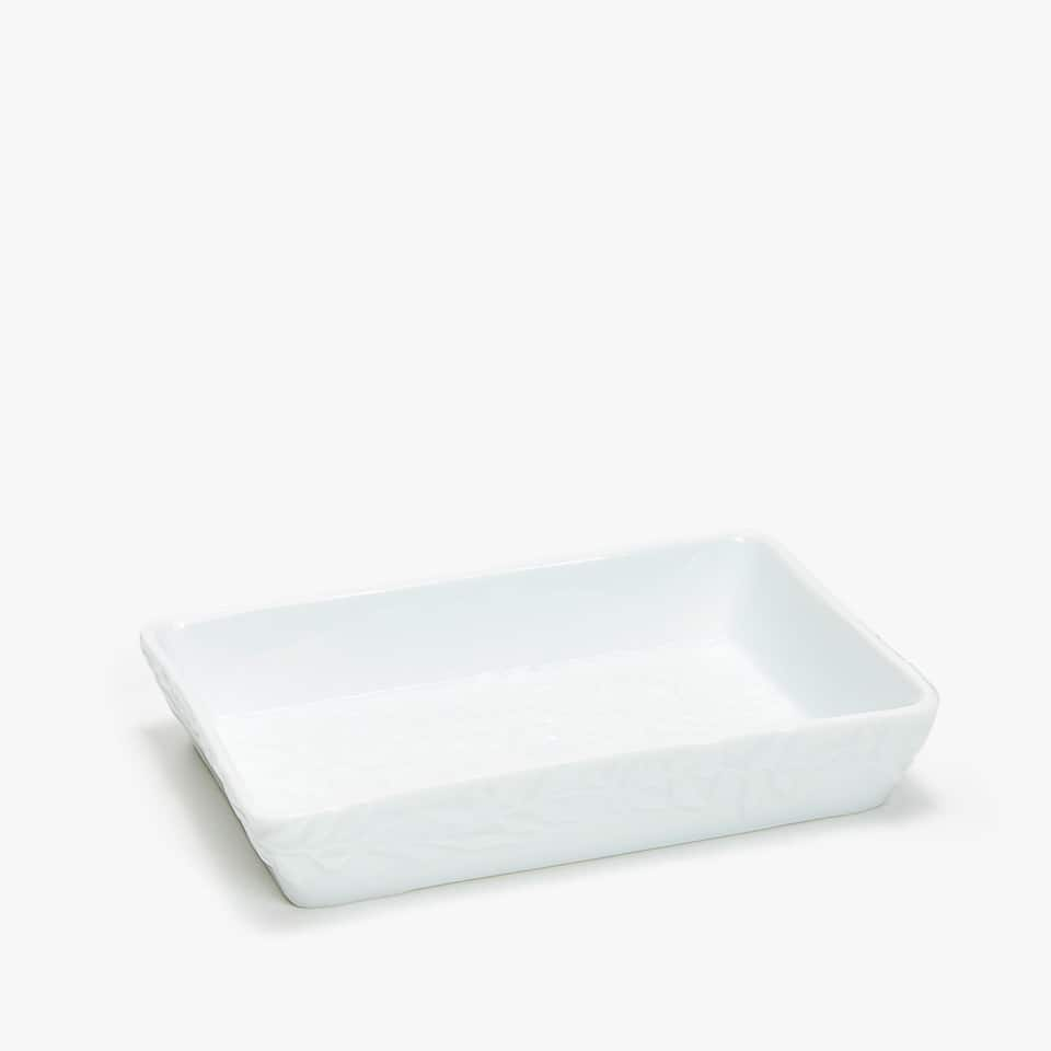CERAMIC SOAP DISH WITH A RAISED DESIGN