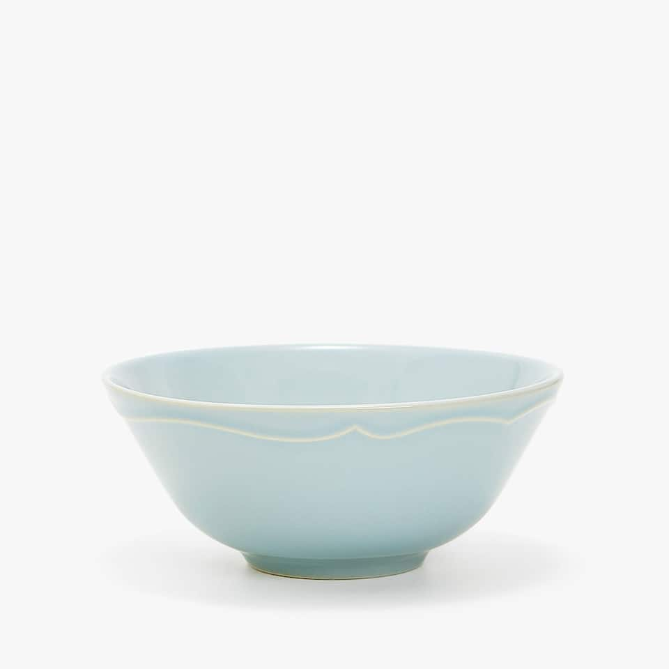 STONEWARE BOWL WITH RAISED-DESIGN RIM