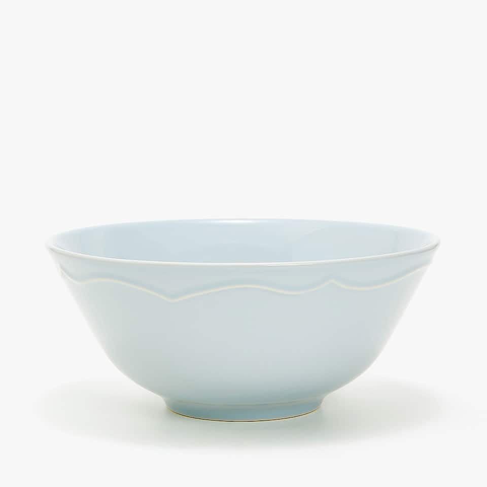 STONEWARE SALAD BOWL WITH RAISED-DESIGN RIM