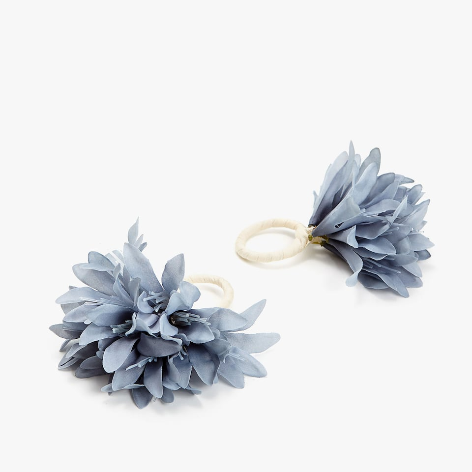 BLUE PETALS NAPKIN RING (SET OF 2)