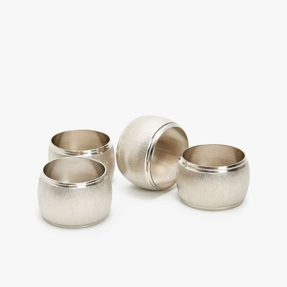 TEXTURED METAL NAPKIN RING (SET OF 4)