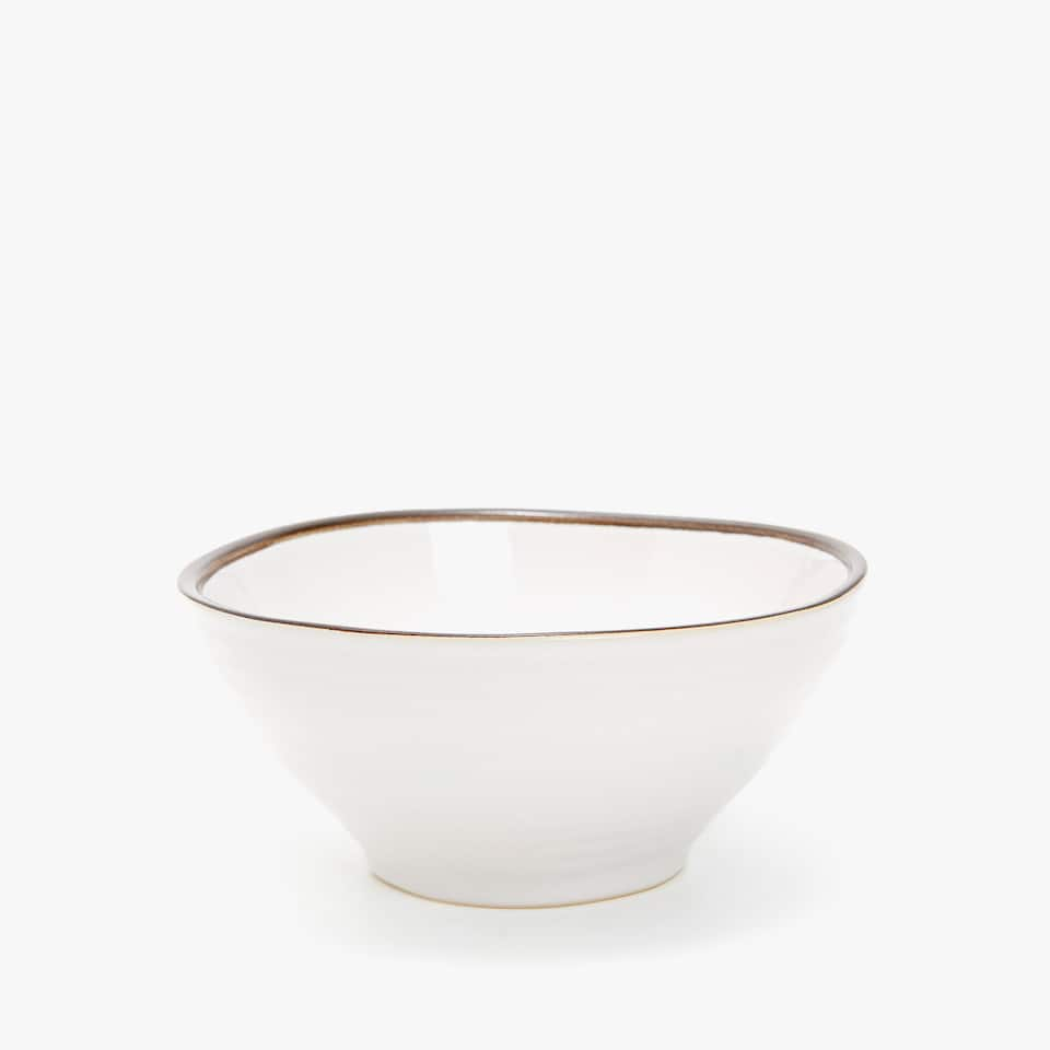 BOWL WITH CONTRASTING EDGE