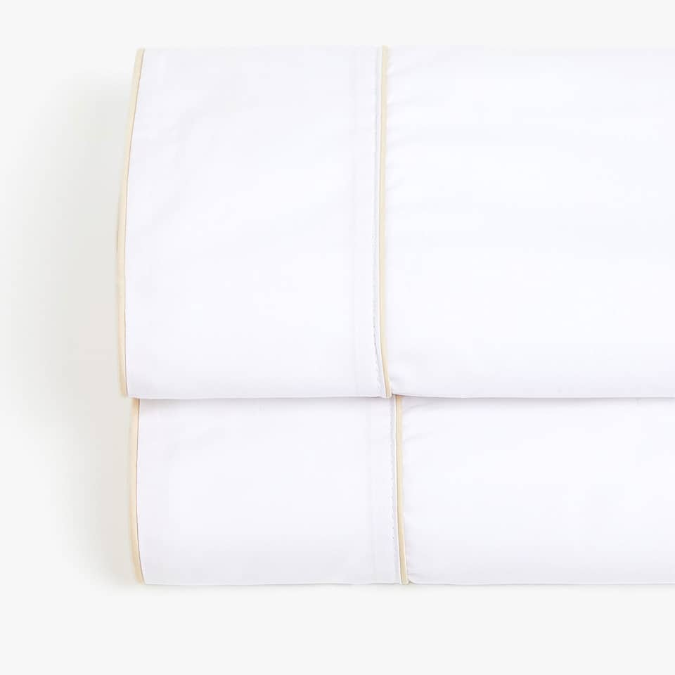 COTTON PERCALE TOP SHEET WITH PIPING