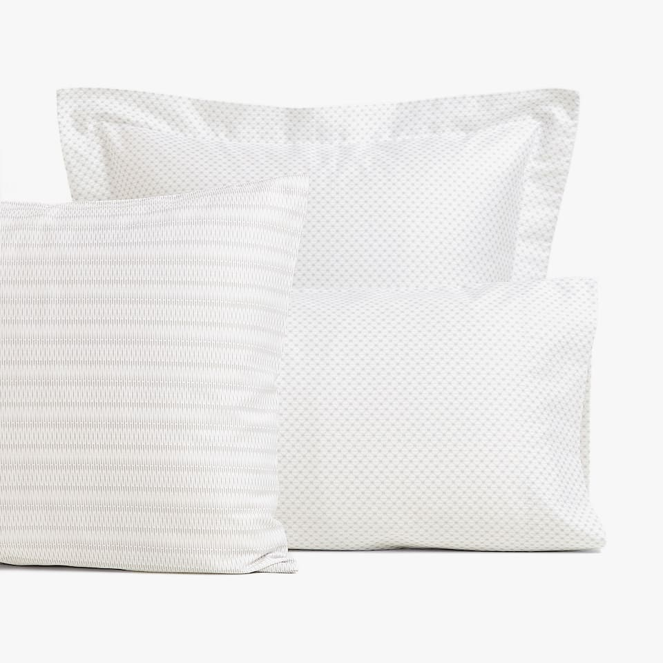 GEOMETRIC-EFFECT SATEEN PILLOWCASE