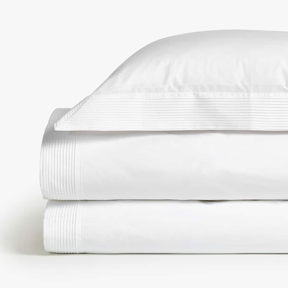 PILLOWCASE WITH PLEATED TRIM