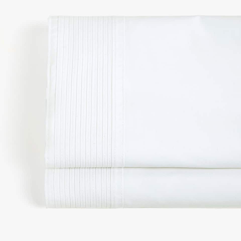 FLAT SHEET WITH PLEATED TRIM