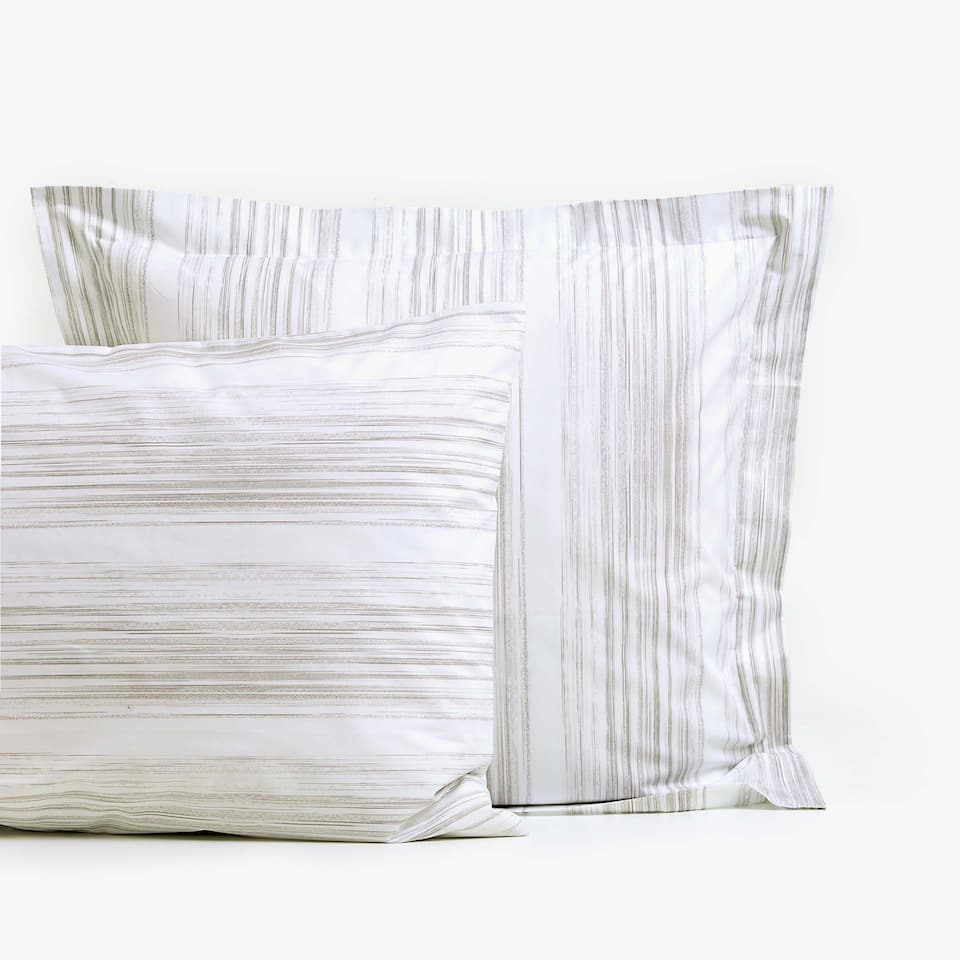 PILLOWCASE WITH BLENDED STRIPES
