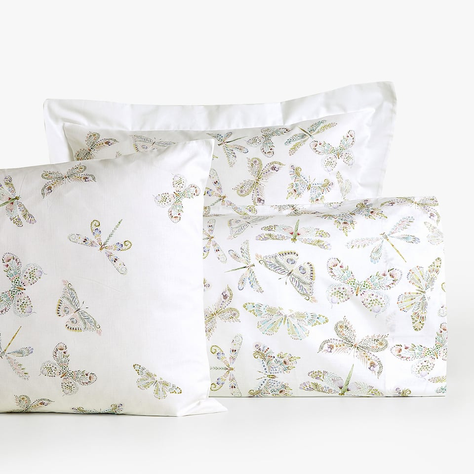 FUNDA DE ALMOHADA ESTAMPADO MARIPOSAS REVERSIBLE