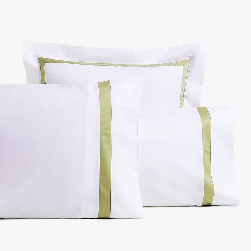 PILLOWCASE WITH CONTRASTING RIBBON