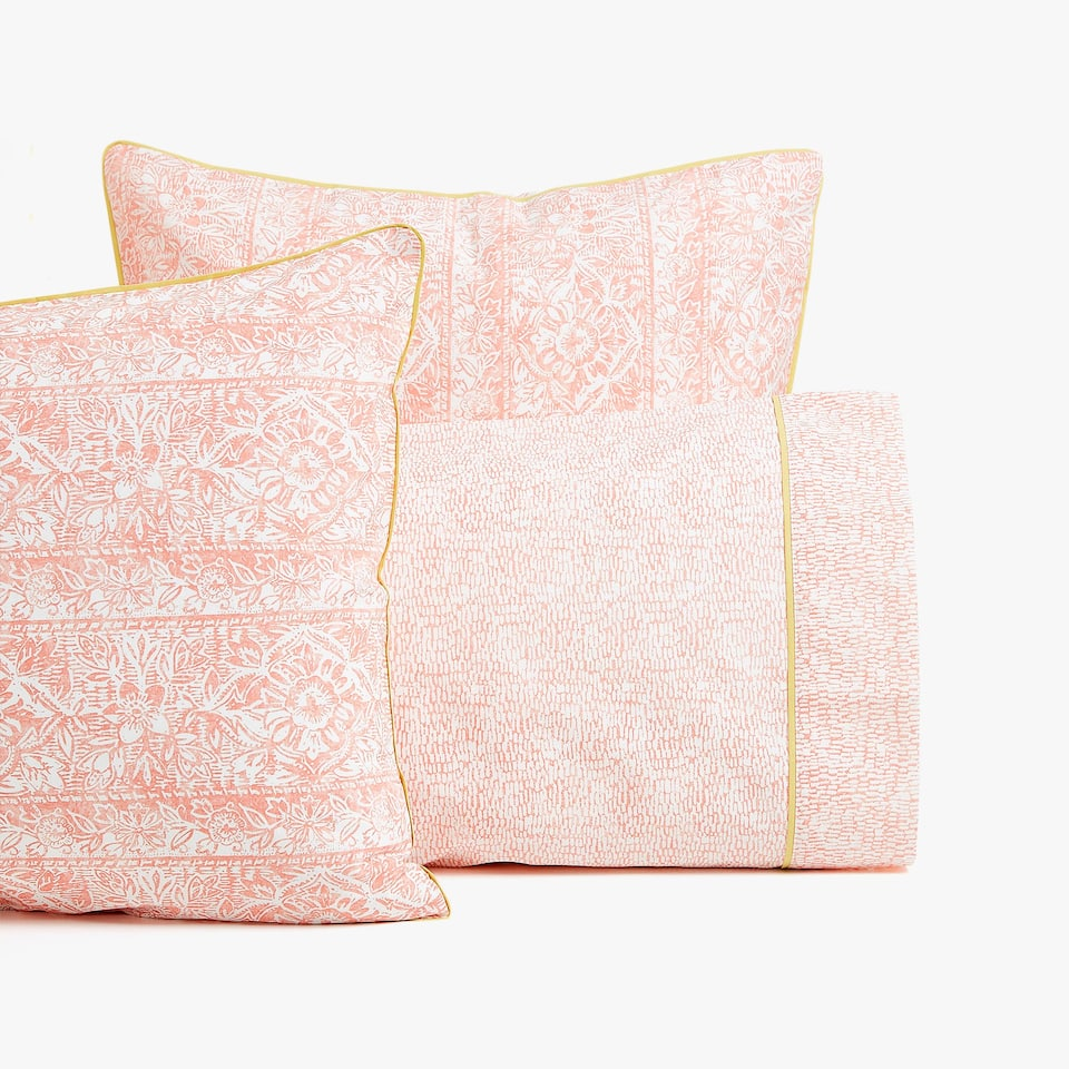 FUNDA DE ALMOHADA ESTAMPADO PIPING CONTRASTE
