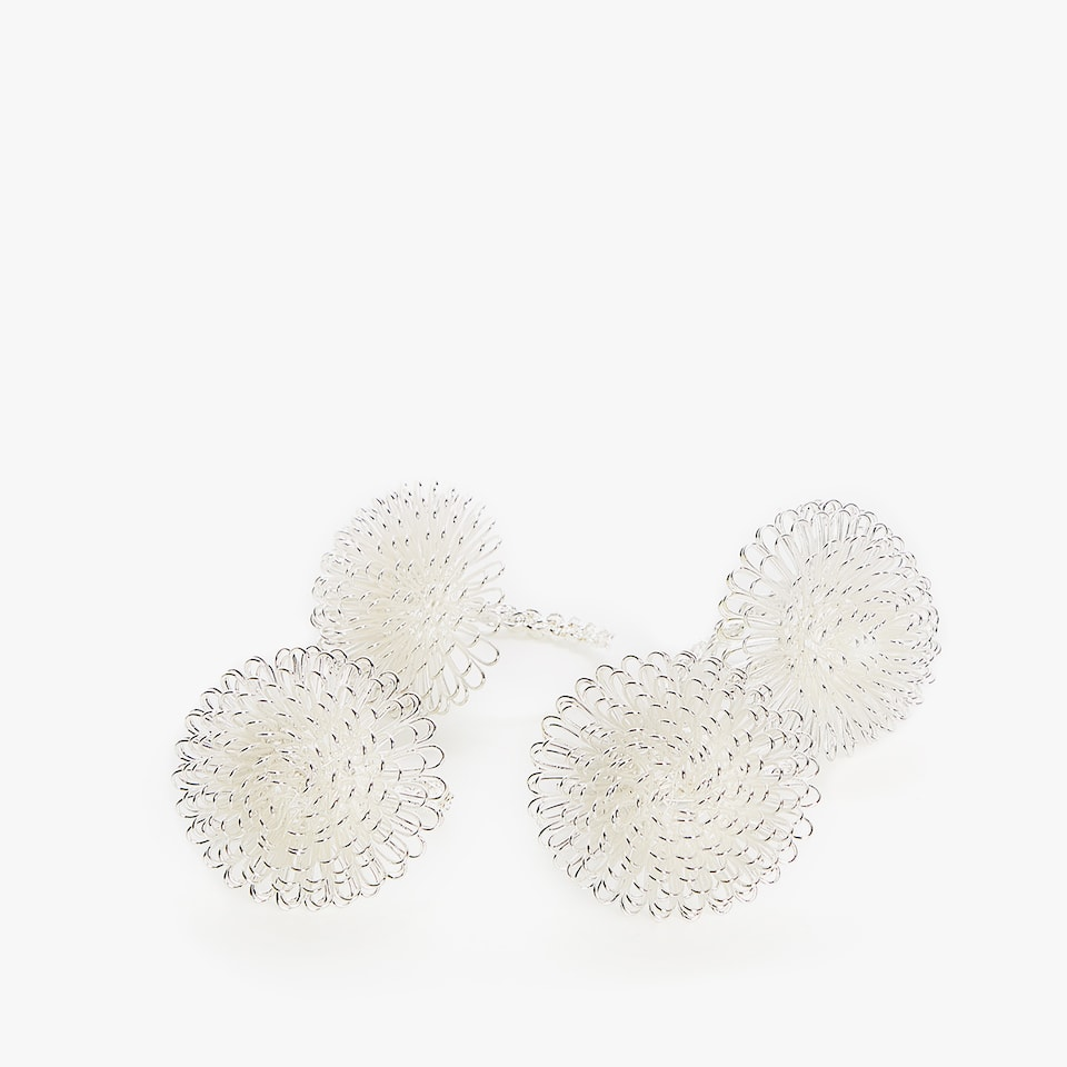 METALLIC THREAD FLOWER NAPKIN RING (SET OF 4)