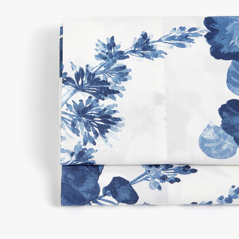 TOP SHEET WITH BLUE WATERCOLOUR FLORAL DESIGN