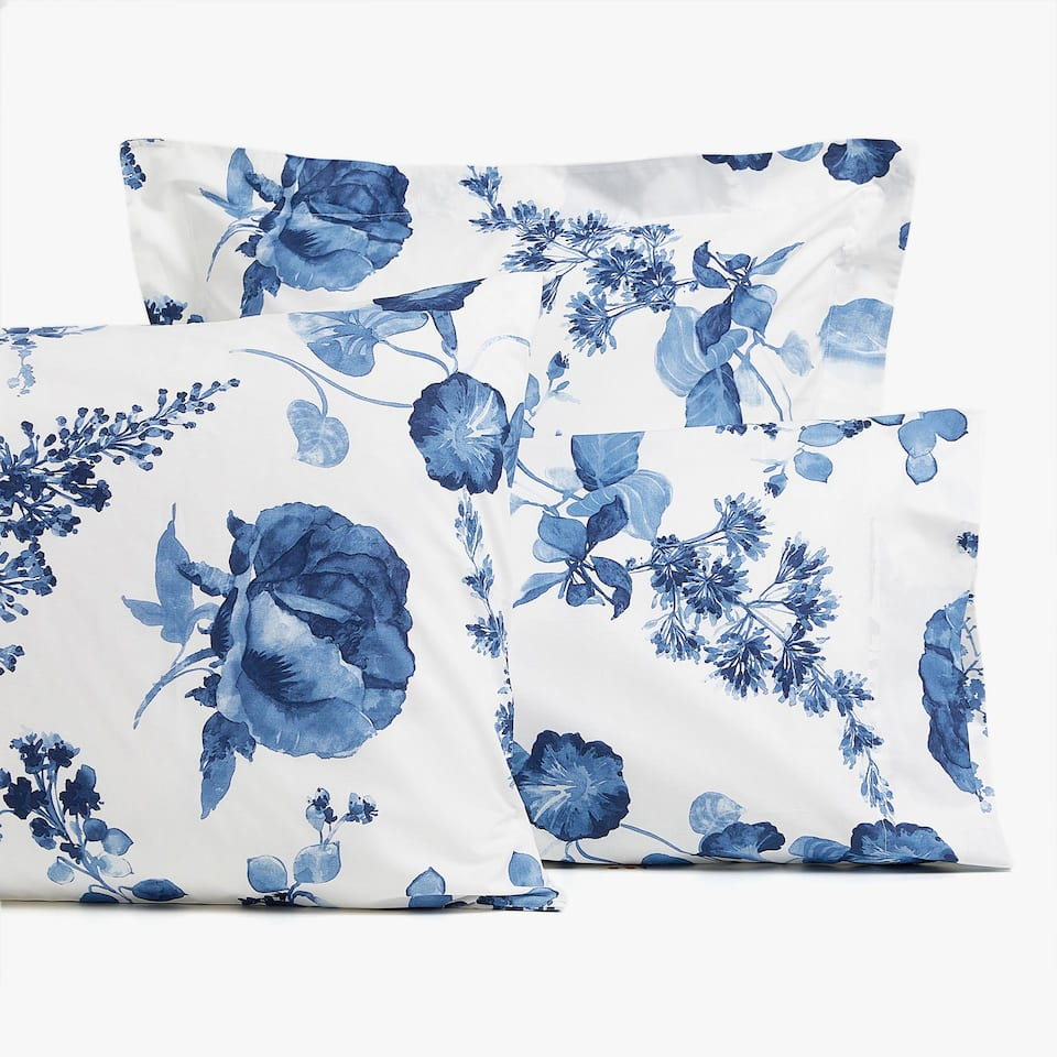 PILLOWCASE WITH BLUE WATERCOLOUR FLORAL DESIGN