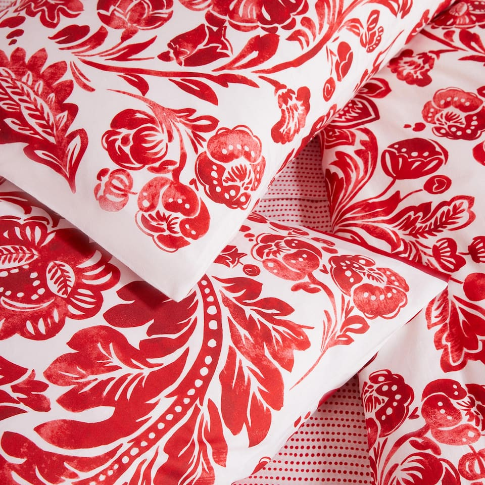 LARGE FLOWER PRINT PILLOWCASE