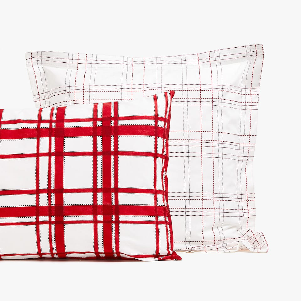 REVERSIBLE RED CHECKED PILLOWCASE