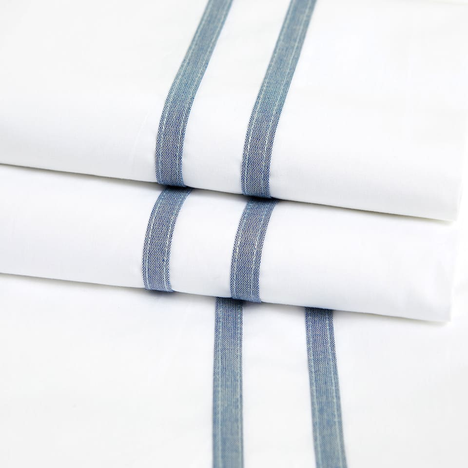 PERCALE FLAT SHEET WITH DENIM RIBBON