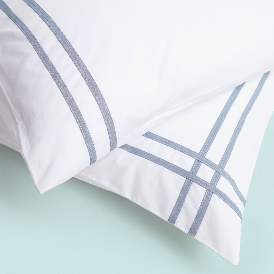 PERCALE PILLOWCASE WITH DENIM RIBBON