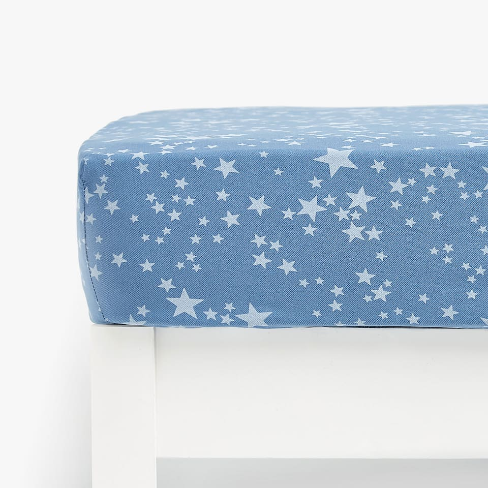 DENIM-EFFECT STAR PRINT FITTED SHEET