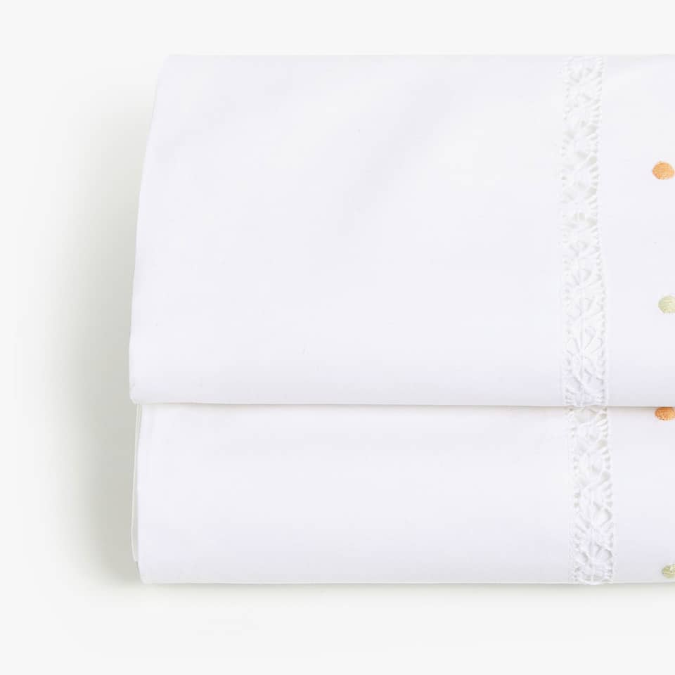 EMBROIDERED POLKA DOTS PERCALE FLAT SHEET