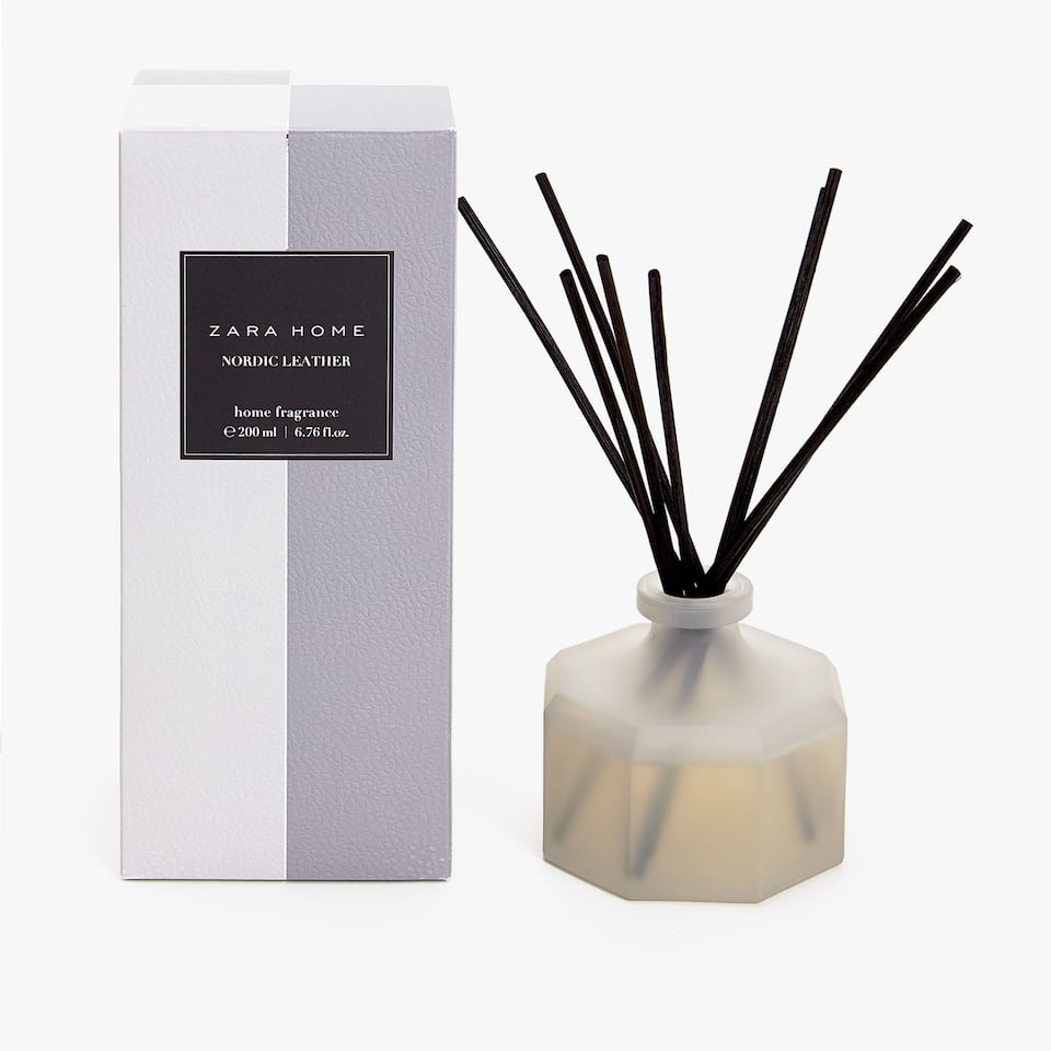 DIFFUSEUR D'AMBIANCE EN STICKS NORDIC LEATHER (200 ML)