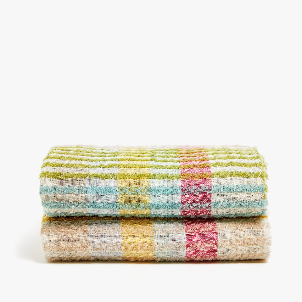 THREE-TONE LOOP DESIGN BLANKET