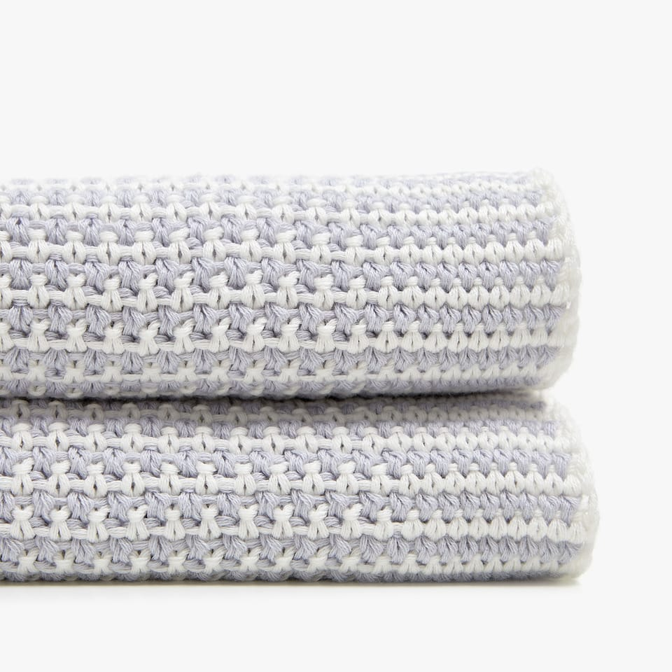 TWO-TONE KNIT COTTON BLANKET