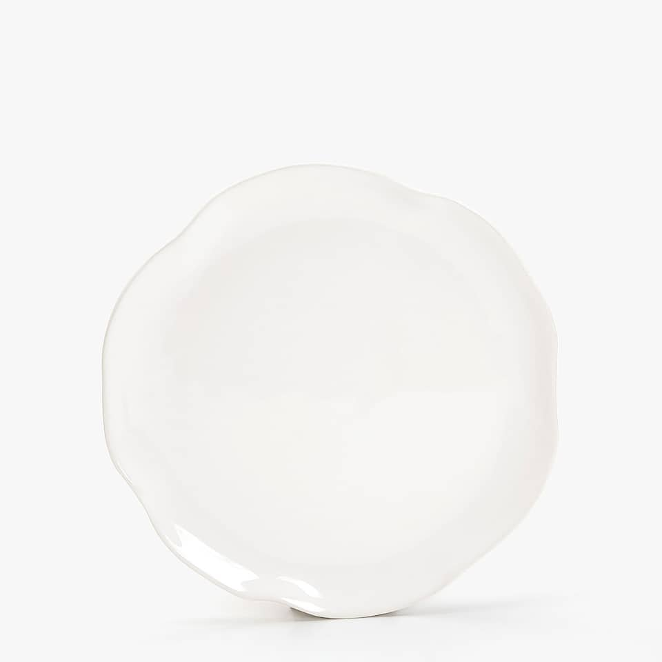 ORGANICALLY-SHAPED EARTHENWARE DINNER PLATE