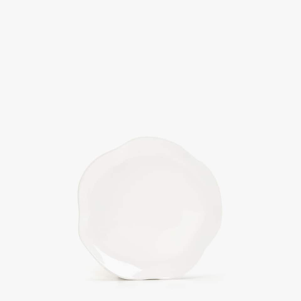 ORGANICALLY-SHAPED EARTHENWARE DESSERT PLATE
