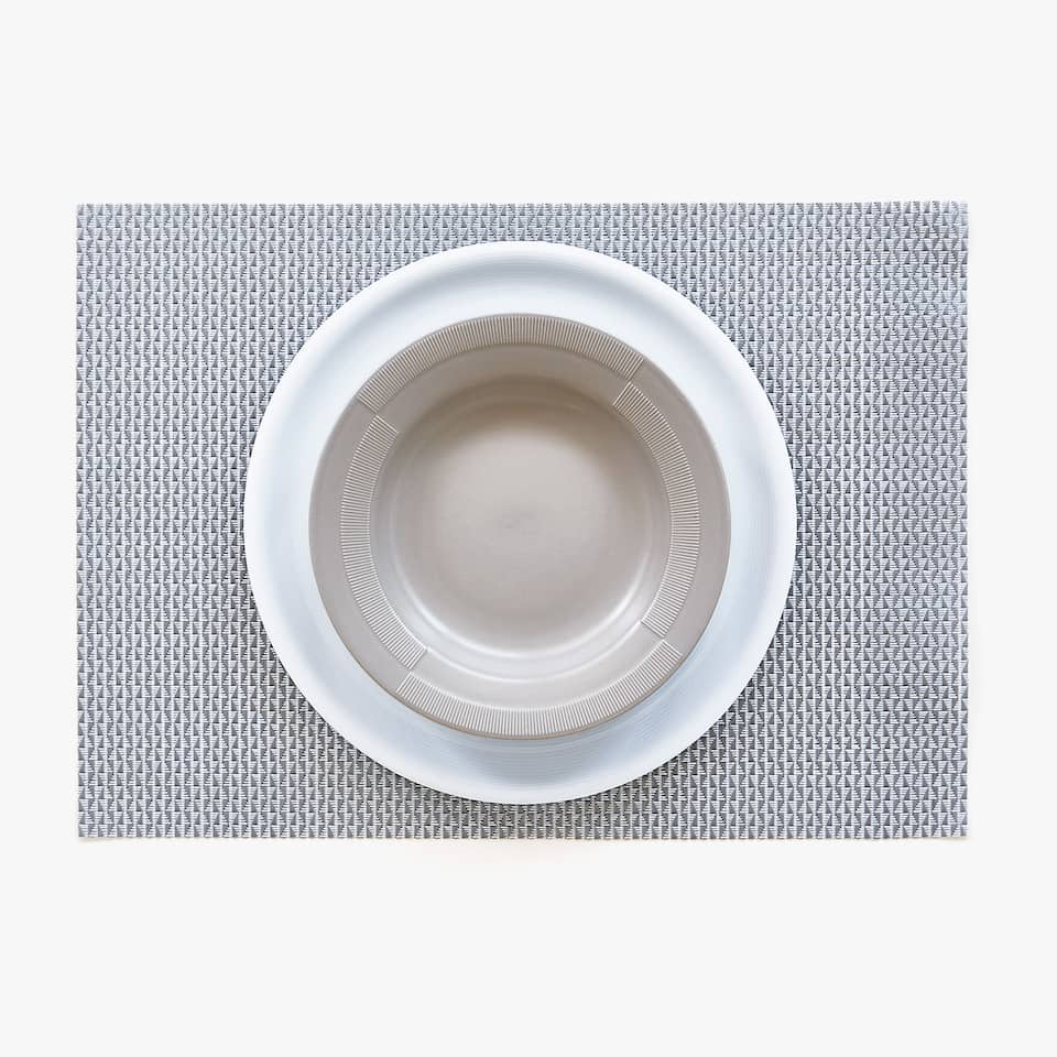 PLASTIC LATTICE PLACEMAT (SET OF 2)