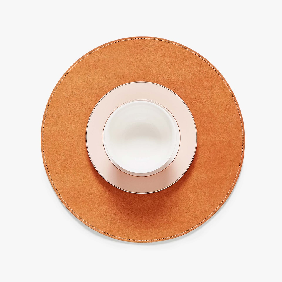 ROUND LEATHER PLACEMAT