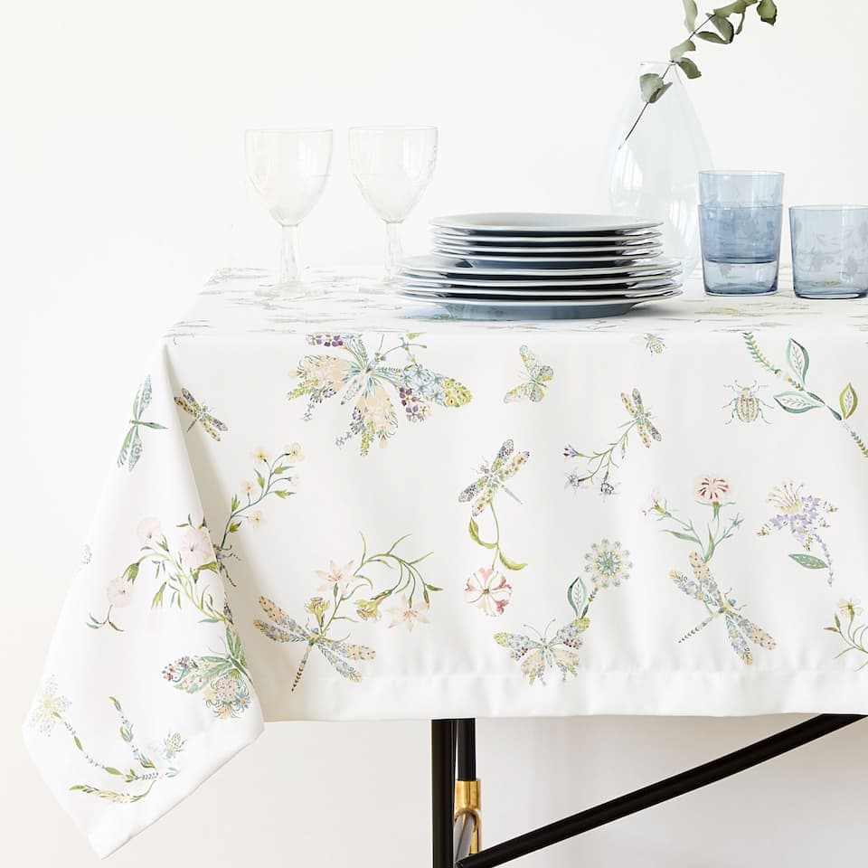 DIGITAL BUTTERFLY PRINT TABLECLOTH