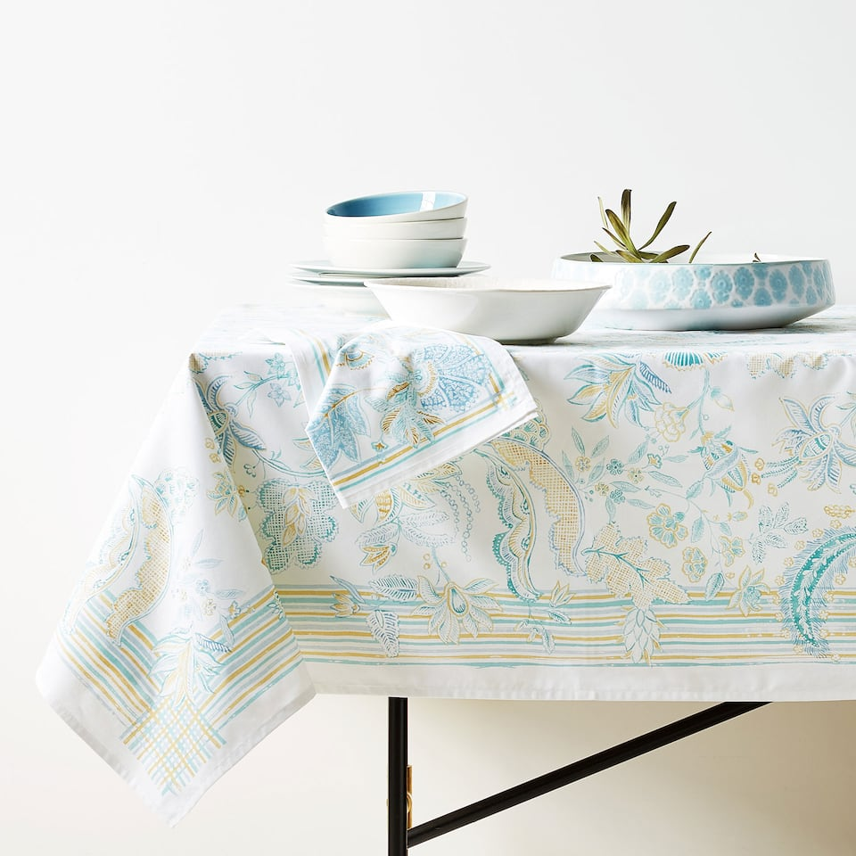 MULTICOLOURED FLORAL PRINT COTTON TABLECLOTH