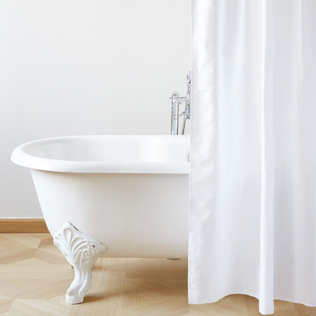 Image 1 Of The Product SEERSUCKER SHOWER CURTAIN