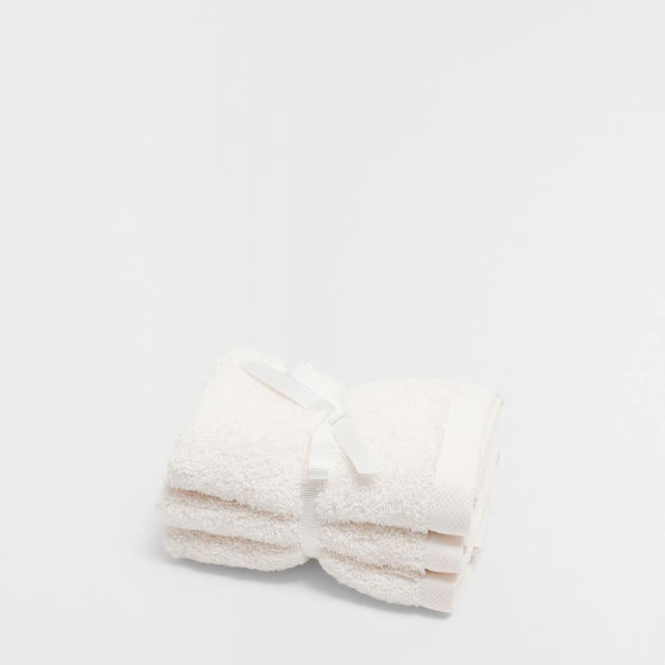 PREMIUM QUALITY COTTON TOWEL (SET OF 3)