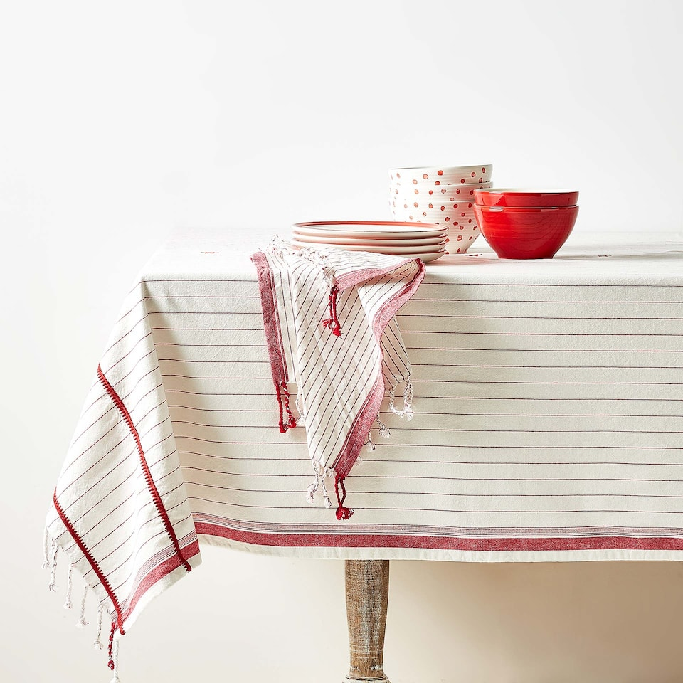 EMBROIDERED FRINGED COTTON TABLECLOTH
