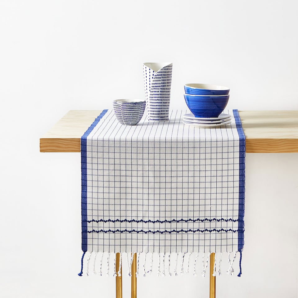 CHEMIN DE TABLE COTON BRODERIE FRANGES