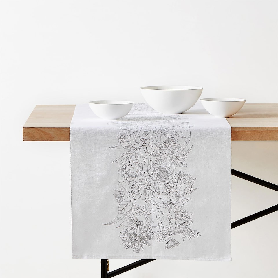 BOTANICAL PRINT COTTON TABLE RUNNER