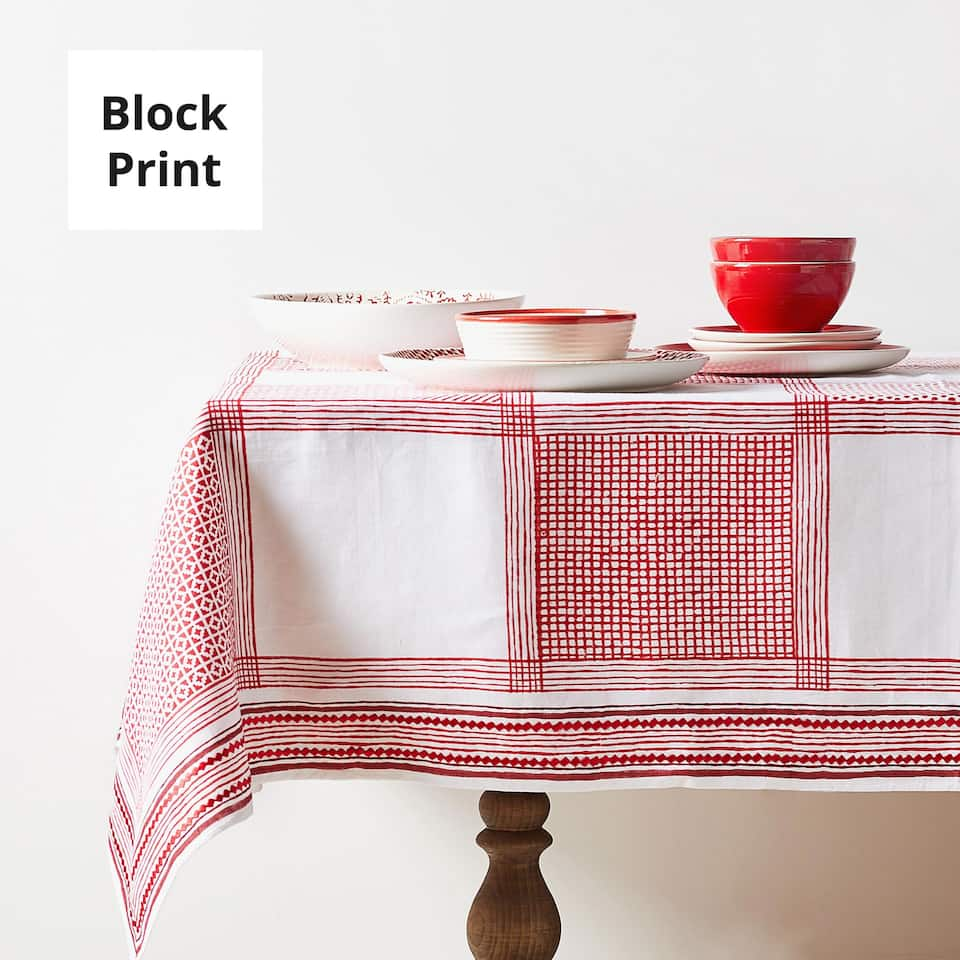 PATCHWORK-EFFECT PRINT LINEN TABLECLOTH