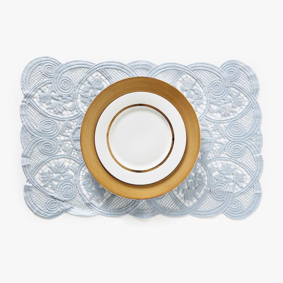 Set de table broderie guipure