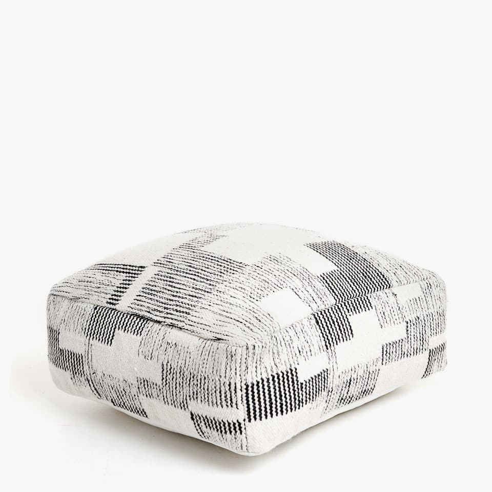 POUF CARRÉ TYPE PATCHWORK