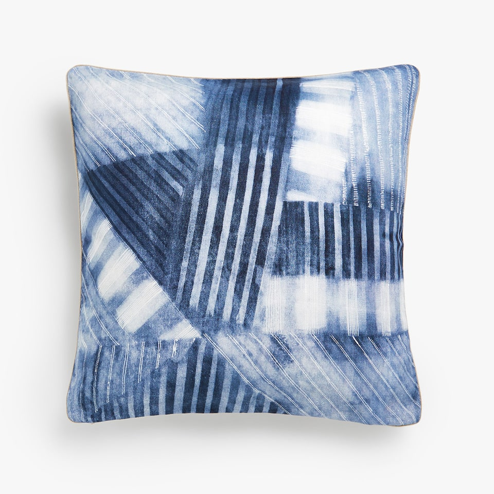 Blurred-effect linen cushion cover