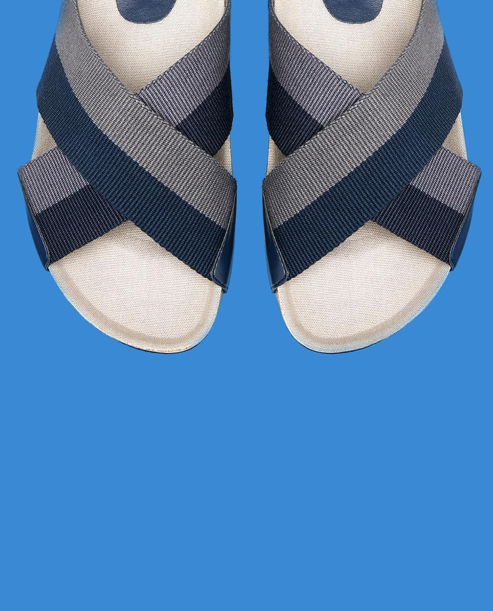 FABRIC CROSSOVER SANDALS